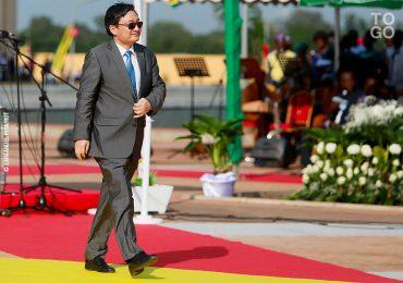 LES NOUVEAUX COLONS DE L'AFRIQUE : LA CHINE ET LES GAFA